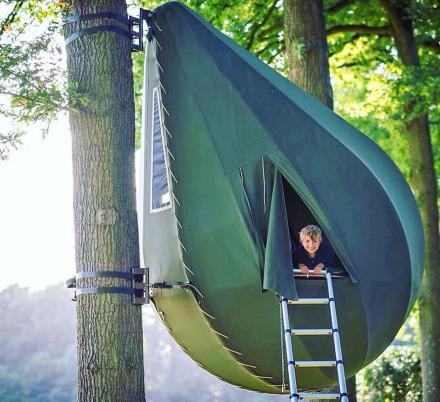 Raindrop Shaped Tree Tents Let You Sleep In The Trees